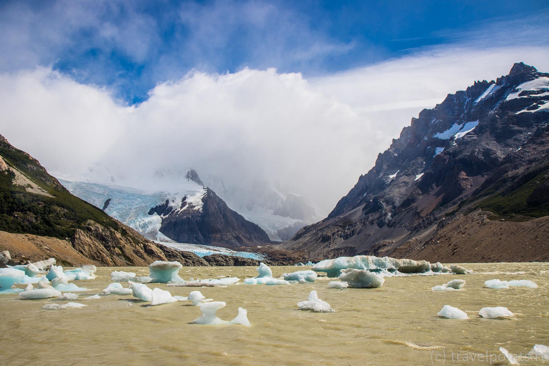 Лагуна Торре, где на горизонте должны быть шикарные горы, но мне их не показали