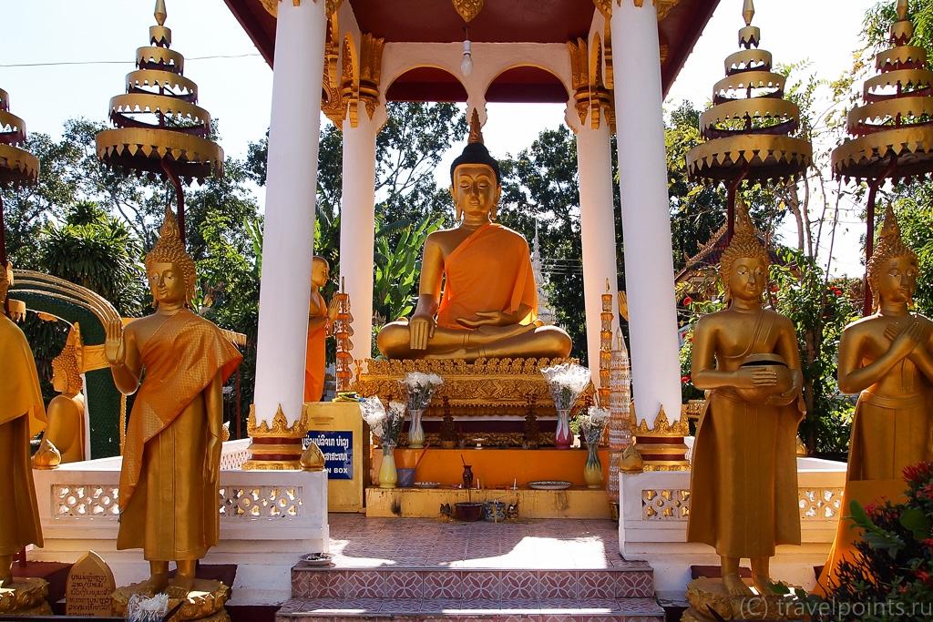 В лаосском храме