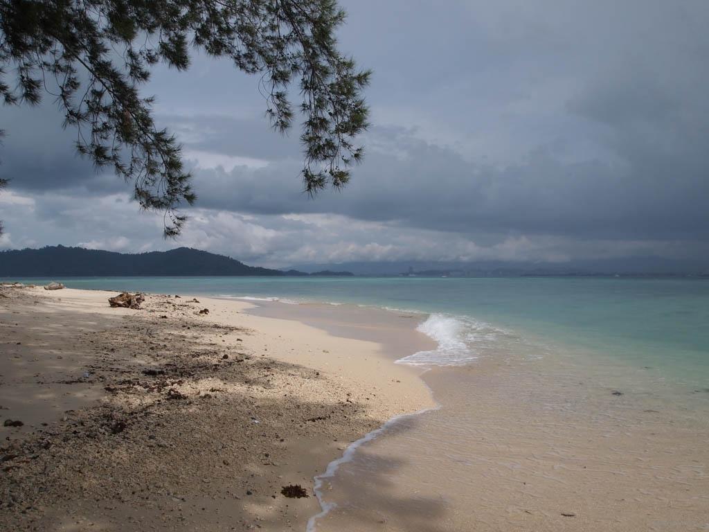 фото острова борнео и его пляжей тех же, кто
