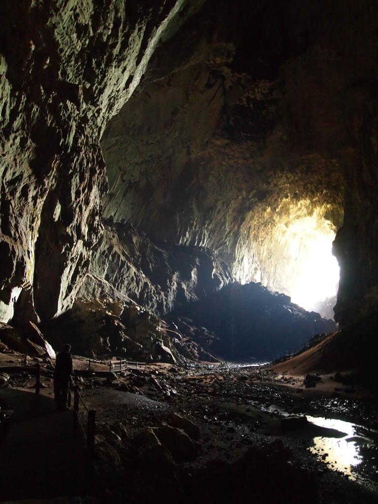 Пещеры национального парка Мулу, Борнео, Малайзия.