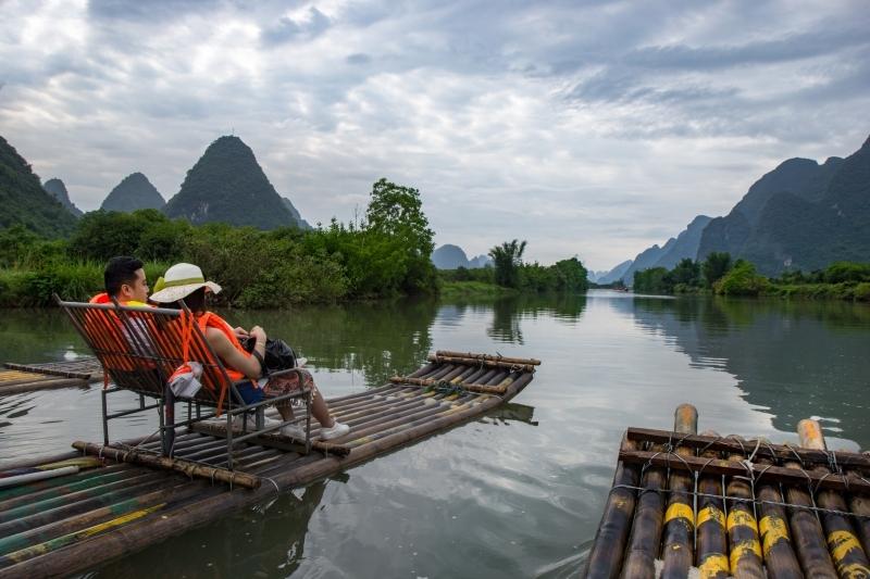 Катание на плотах по реке Юлонг