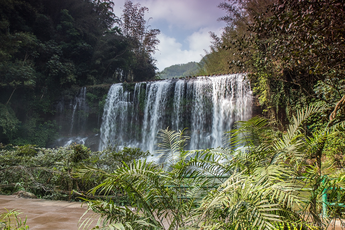 Еще один водопад, где-то посредине