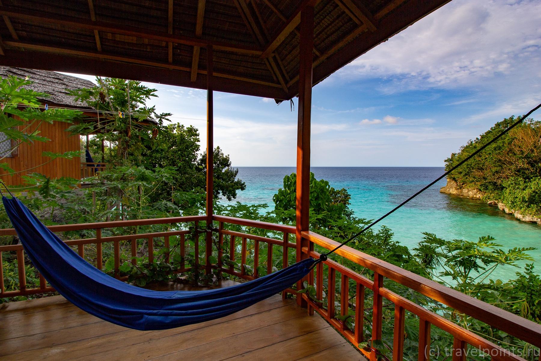 Вид с террасы одного из домиков Sifa bungalow