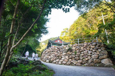 В монастыре в Корее