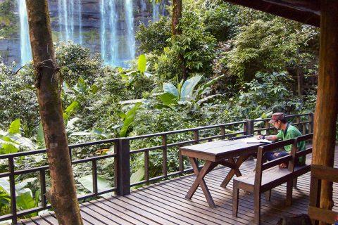 Зипы в Паксе: Сколько водопадов нужно человеку для полного счастья?